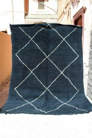 Berber Beni Ouarain rug handmade in Morocco in wool unique piece