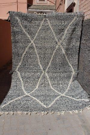 tapis berbère zanafi tissé à la main au maroc par nos artisans piece unique