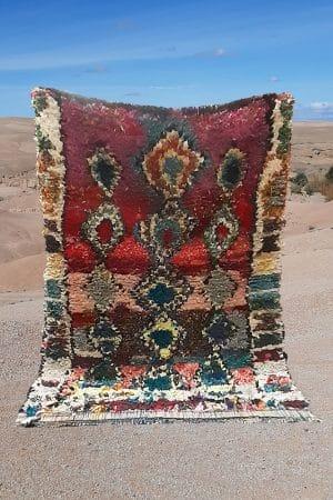 tapis berbere boucherouite tisse a la main par les femmes au Maroc dans l'Atlas en pure laine tissé main piece unique